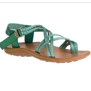 Chaco Women's Diana sandals in Hollow Pine size 9